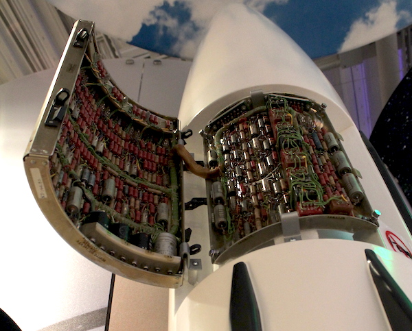 Rechner einer Saturn-Rakete im Computer History Museum.